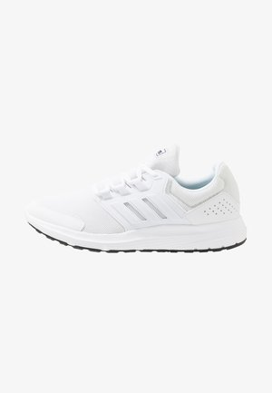 GALAXY 4 - Neutral running shoes - footwear white