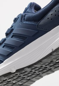 adidas Performance - GALAXY 4 - Neutral running shoes - tech indigo/footwear white - 5