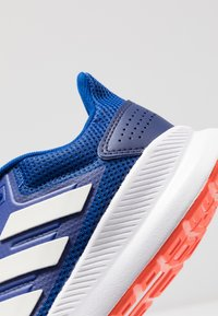 adidas Performance - RUNFALCON - Obuwie do biegania treningowe - collegiate royal /cloud white /active orange - 5