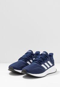 adidas Performance - RUNFALCON - Obuwie do biegania treningowe - dark blue/ftwr white/core black - 2