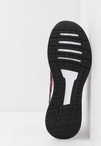 adidas Performance - RUNFALCON - Obuwie do biegania treningowe - active maroon/core black/maroon - 4