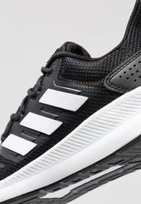 adidas Performance - RUNFALCON - Obuwie do biegania treningowe - core black/footwear white - 5