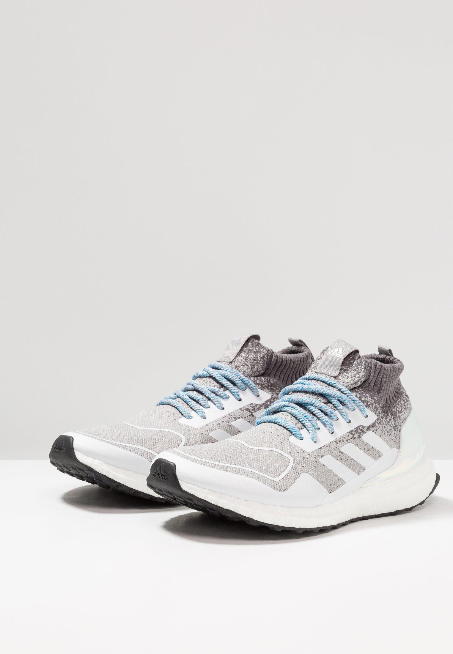 adidas Performance ULTRABOOST MID CHRISMAS CAROL - Chaussures de running neutres light granite/silver metallic