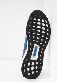 adidas Performance - ULTRABOOST S&L SHOES - Obuwie do biegania treningowe - footwear white/true blue/grey one - 4