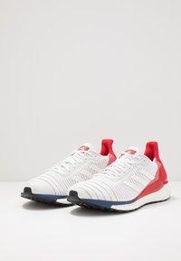 adidas Performance - SOLAR GLIDE 19 - Zapatillas de running neutras - footwear white/scarlet - 2