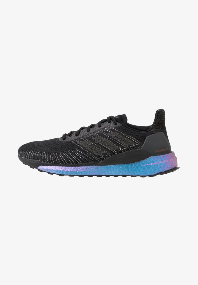 SOLAR BOOST 19 - Neutral running shoes - core black/solar red