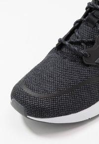 adidas Performance - ENERGYFALCON CLOUDFOAM RUNNING SHOES - Obuwie do biegania treningowe - core black/grey six/footwear white - 2
