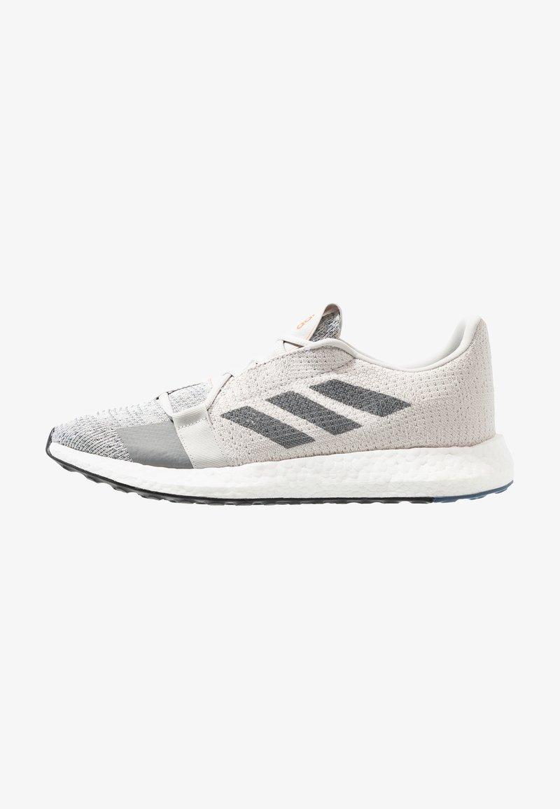 adidas Performance - SENSEBOOST GO - Neutrální běžecké boty - grey one/grey three/tech ink