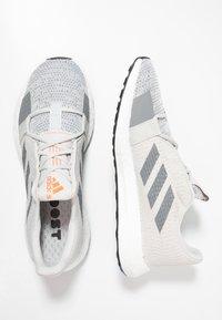 adidas Performance - SENSEBOOST GO - Neutrální běžecké boty - grey one/grey three/tech ink - 1