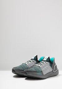 adidas Performance - ULTRABOOST 19 - Juoksukenkä/neutraalit - core black/grey three/grey five - 2