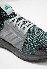 adidas Performance - ULTRABOOST 19 - Juoksukenkä/neutraalit - core black/grey three/grey five - 5