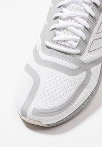 adidas Performance - NOVA RUN - Hardloopschoenen neutraal - footwear white/grey two - 5