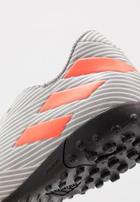 adidas Performance - NEMEZIZ 19.4 TF - Botas de fútbol multitacos - grey two/solar orange/core white - 5