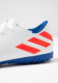 adidas Performance - NEMEZIZ MESSI 19.4 TF - Botas de fútbol multitacos - footwear white/solar red/football blue - 5
