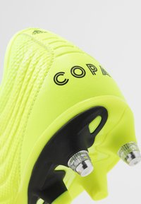 adidas Performance - COPA GLORO 19.2 SG - Chaussures de foot à lamelles - solar yellow/core black - 6