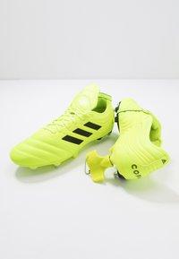 adidas Performance - COPA GLORO 19.2 SG - Chaussures de foot à lamelles - solar yellow/core black - 5