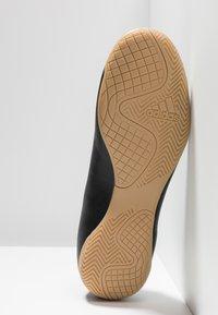 adidas Performance - X 19.4 IN - Botas de fútbol sin tacos - core black/utility black - 4