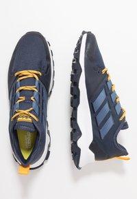 adidas Performance - KANADIA - Løbesko trail - trace blue/tech ink/active gold - 1