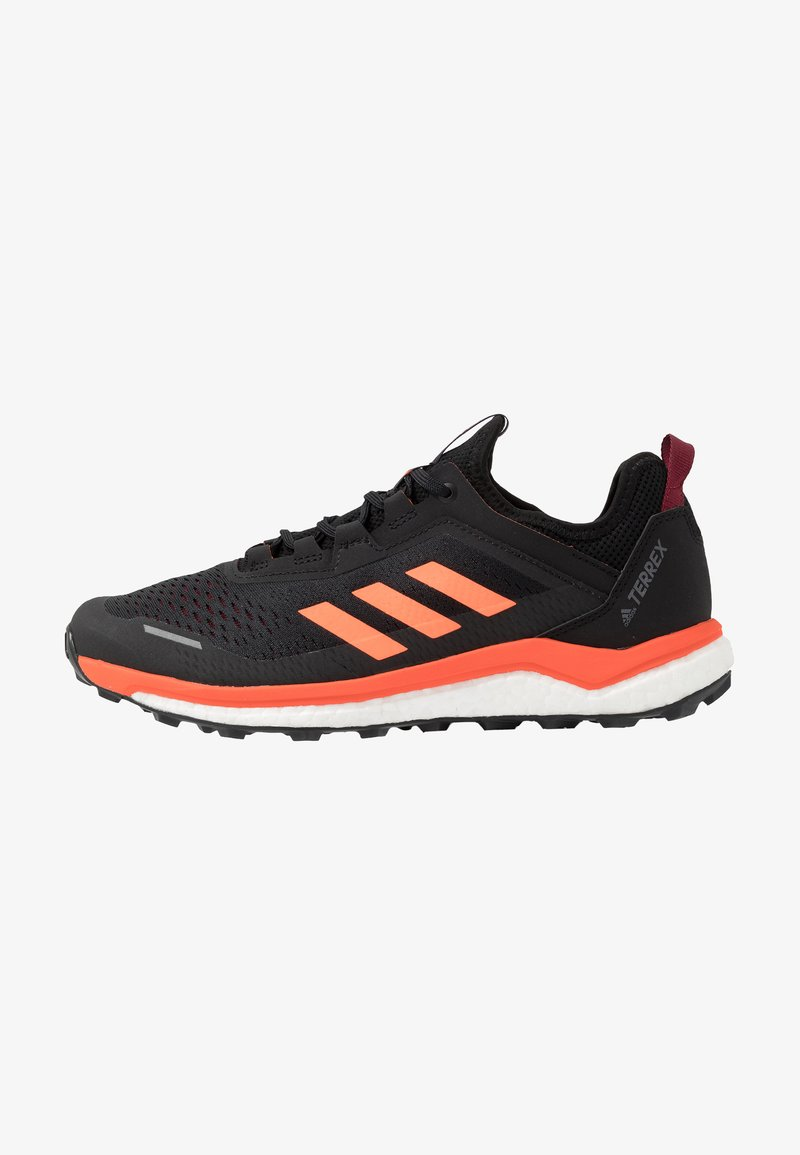 adidas Performance - TERREX AGRAVIC FLOW TRAIL RUNNING SHOES - Løpesko for mark - collegiate burgundy/solar orange/core black