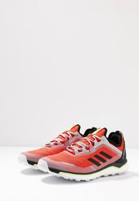 adidas Performance - TERREX AGRAVIC FLOW - Obuwie do biegania Szlak - solar red/core black/grey two - 2