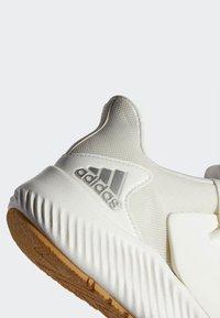 adidas Performance - ALPHABOUNCE RC 2.0 SHOES - Obuwie do biegania treningowe - white - 7