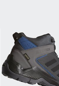 adidas Performance - TERREX EASTRAIL MID GORE-TEX - Hiking shoes - grey - 6