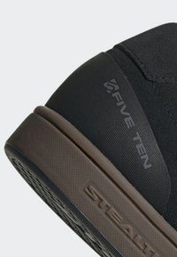 adidas Performance - FIVE TEN MOUNTAIN BIKE SLEUTH SHOES - Fahrradschuh - black - 9