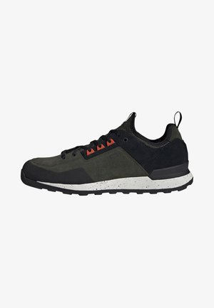 FIVE TENNIE SHOES - Hiking shoes - green
