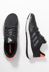 adidas Performance - PULSEBOOST HD PRCT - Neutrala löparskor - core black/grey six/solar red - 1