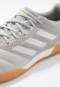 adidas Performance - COPA 20.3 IN SALA - Botas de fútbol sin tacos - grey two/matte silver/grey three - 5
