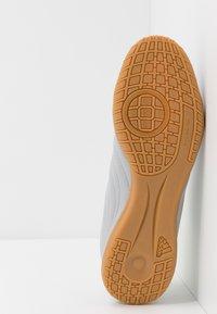 adidas Performance - COPA 20.4 IN - Botas de fútbol sin tacos - grey two/matte silver/solar yellow - 4