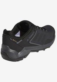 adidas Performance - TERREX EASTRAIL GORE-TEX - Obuwie hikingowe - grey/black - 4