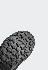 adidas Performance - TERREX ESTRAIL SHOES - Outdoorschoenen - grey/black - 7