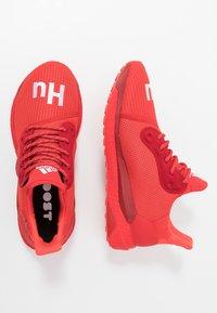 adidas Performance - PHARRELL WILLIAMS SOLARHU PRD - Neutrální běžecké boty - red/power red/footwear white - 1