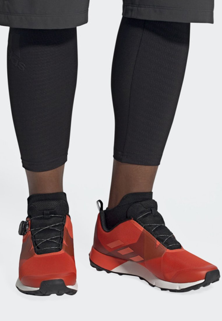 adidas Performance - TERREX TWO BOA SHOES - Sneaker low - orange
