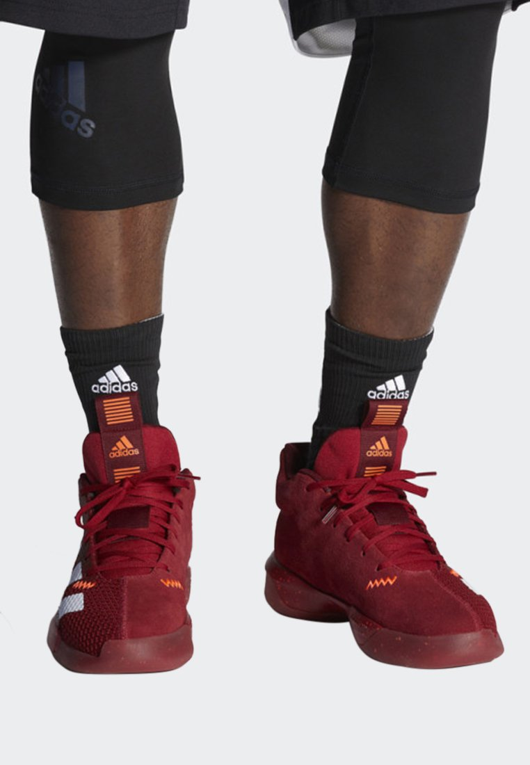 adidas Performance - PRO NEXT 2019 SHOES - Basketbalschoenen - red/white