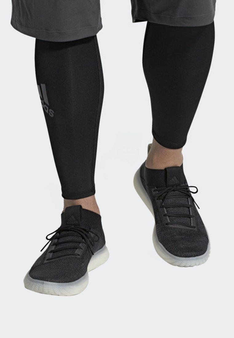 adidas Performance - PUREBOOST TRAINER SHOES - Matalavartiset tennarit - black/ grey