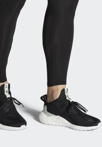 adidas Performance - ALPHABOOST PARLEY SHOES - Hardloopschoenen neutraal - black - 0