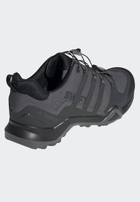 adidas Performance - TERREX SWIFT R2 SHOES - Trainers - grey - 4