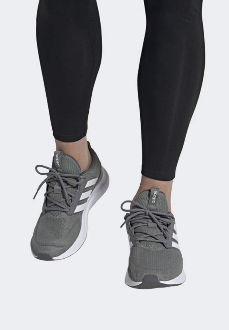 adidas Performance - ENERGYFALCON SHOES - Laufschuh Stabilität - grey