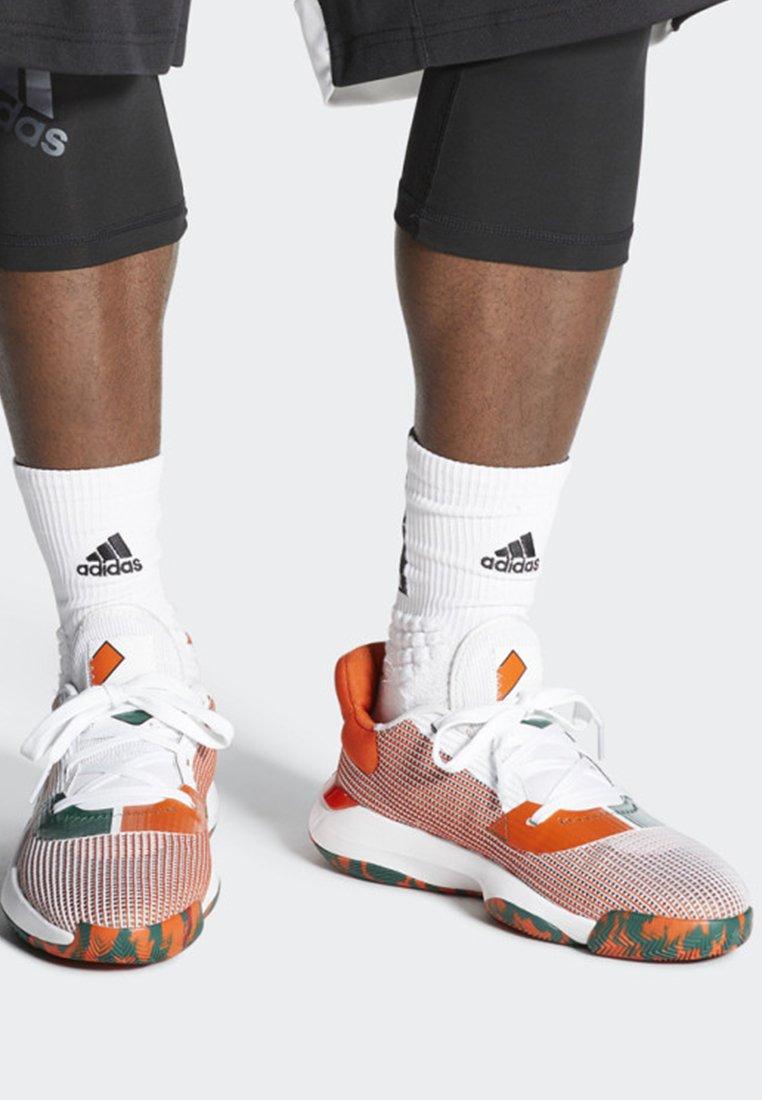 Bounce De Basket Adidas Pro White ShoesChaussures Low 2019 Performance txCshQrd