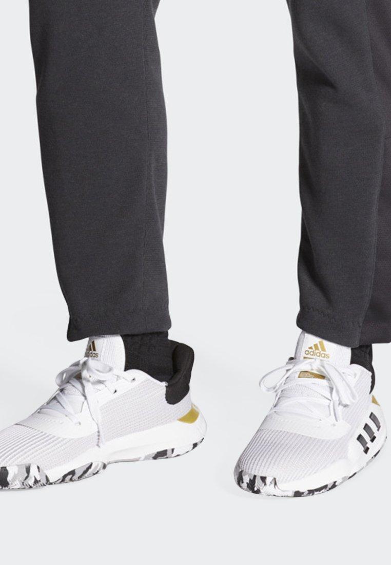 adidas Performance - PRO BOUNCE 2019 LOW SHOES - Basketballschuh - white
