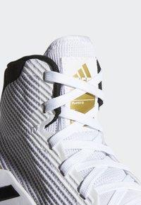 adidas Performance - PRO BOUNCE 2019 SHOES - Koripallokengät - white - 7