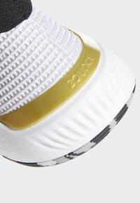 adidas Performance - PRO BOUNCE 2019 SHOES - Koripallokengät - white - 8