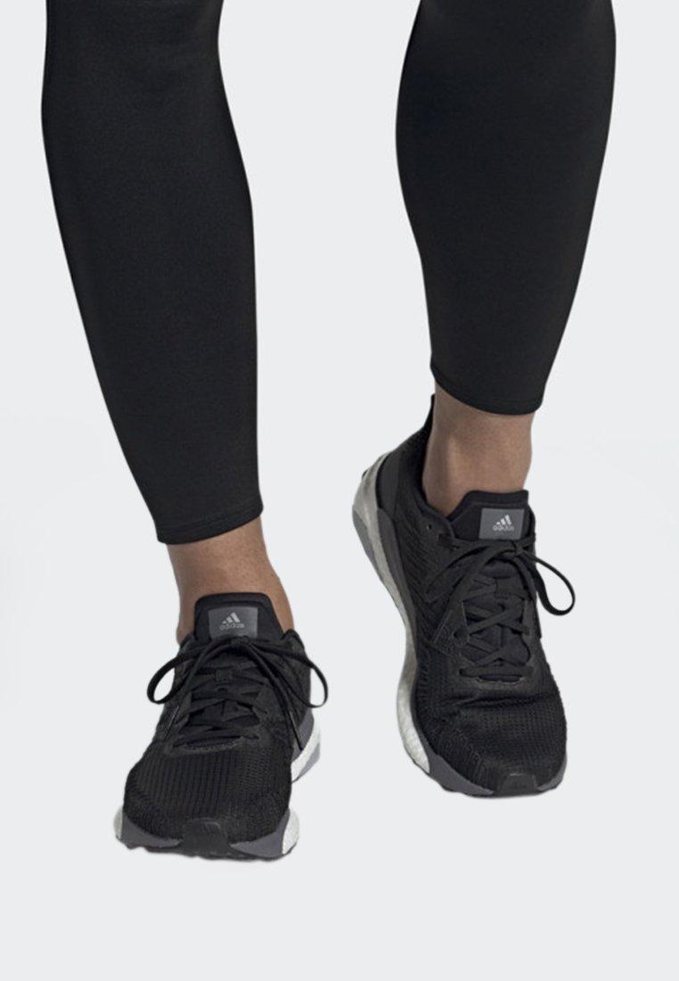 adidas Performance - SOLARBOOST 19 SHOES - Laufschuh Stabilität - black