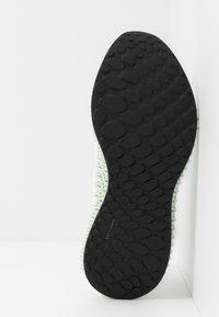 adidas Performance - ALPHAEDGE 4D  - Neutrala löparskor - footwear white/silver metallic/core black - 4