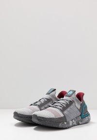 adidas Performance - UB19 STAR WARS MILLENNIUM - Hardloopschoenen neutraal - grey five/grey two/bright cyan - 2