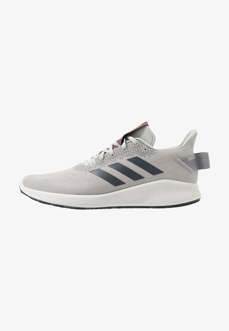 adidas Performance - SENSEBOUNCE STREET - Obuwie do biegania treningowe - grey two/grey six/signal coral