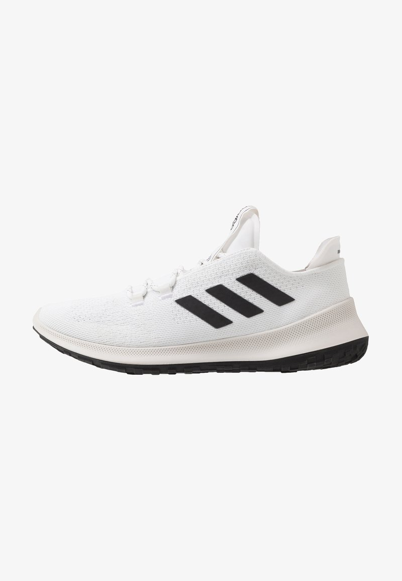 adidas Performance - SENSEBOUNCE ACE  - Nøytrale løpesko - footwear white/core black/crystal white