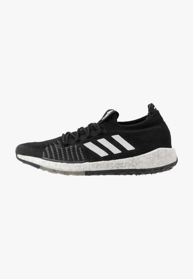 PULSEBOOST HD - Zapatillas de running neutras - core black/footwear white/grey six